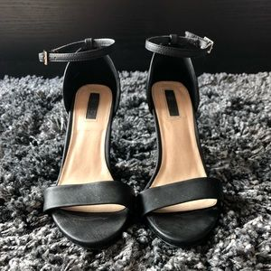 Black Ankle Strap High Heels - SIZE 9
